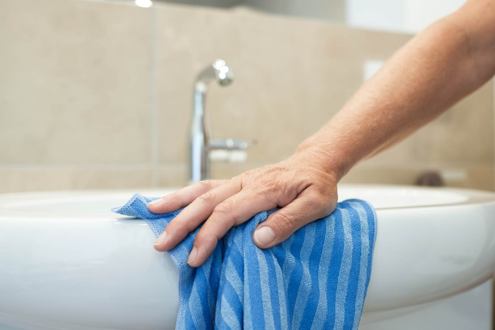 Unterhaltsreinigung Waschbecken